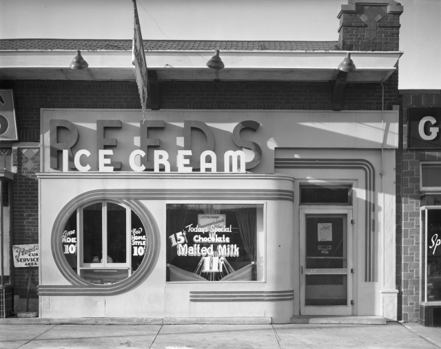 SERVICE-WW10-001 Reed's Ice Cream - 1938