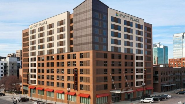 737x415xHyatt-Place-Omaha-Downtown-Old-Market-P005-Exterior-Day-1280x720.jpg.pagespeed.ic.BZ2e_wgUSJ