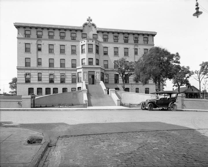 1913bishopclarksonmemhos