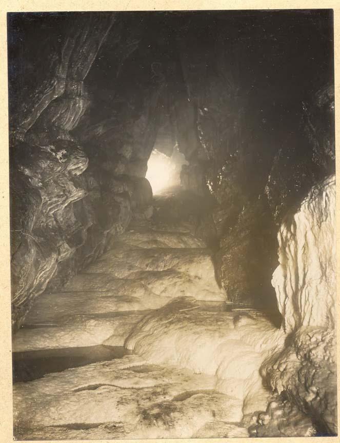 1921cave1