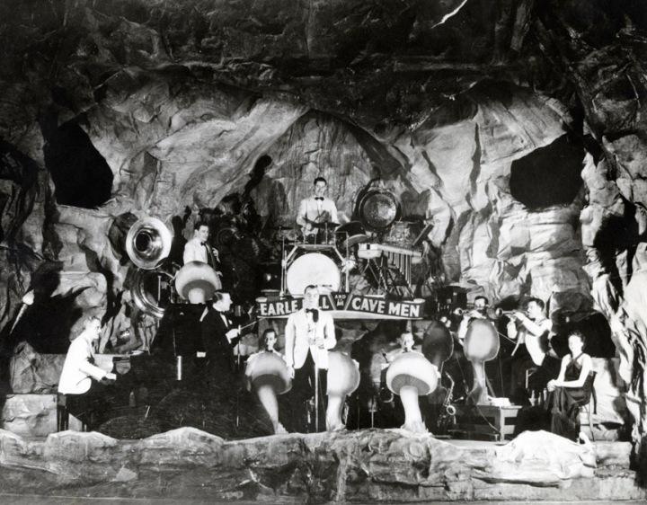 earlehill-his-cavemen-at-cave-club-1937