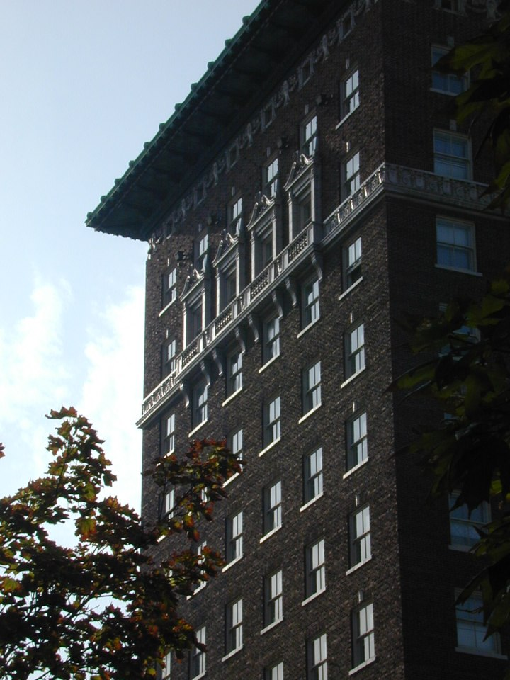 hill-hotel-detail